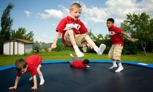 Τραμπολίνο και παιδί: Πότε υπάρχει αυξημένος κίνδυνος τραυματισμού