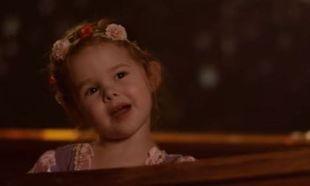 Μπαμπάς και κόρη δημιούργησαν το πιο όμορφο βίντεο με το τραγούδι «Βλέπω Φως», από την ταινία Μαλλιά Κουβάρια