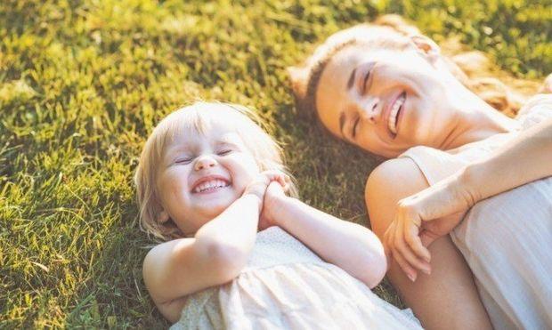 Είναι υπέροχο να είσαι θεία. 8 λόγοι το αποδεικνύουν