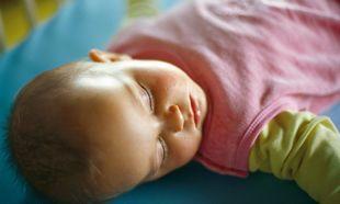 Συμβουλές για τον ύπνο: βοηθήστε το μωρό σας να κοιμηθεί