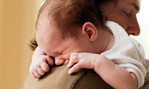 Γαστροοισοφαγική παλινδρόμηση στα βρέφη-Πότε πρέπει να μας ανησυχεί