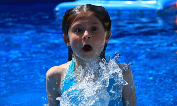 Πνιγμός: Οδηγίες για να προστατεύσετε και να σώσετε το παιδί σας