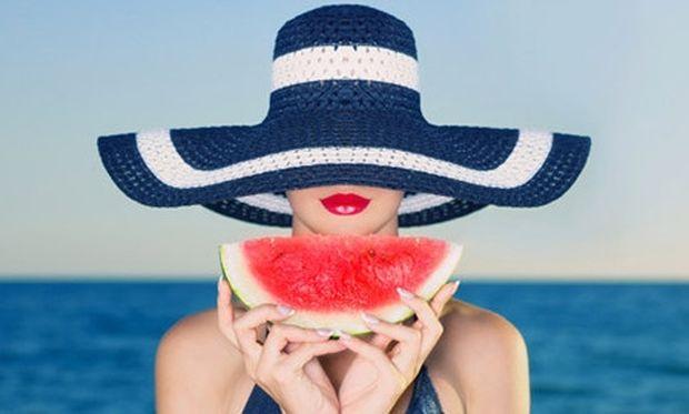 Καλοκαιρινά tips διατροφής για ξηρό δέρμα, ξηρά μαλλιά, μυκητιάσεις και μυικές κράμπες!