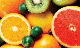 Αυτός είναι ο πιο εύκολος τρόπος για να κόψετε και να καθαρίσετε τέσσερα φρούτα (βίντεο)