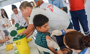Παιδικά εμβόλια: Έκκληση για μείωση των τιμών από τους Γιατρούς Χωρίς Σύνορα