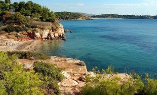 Ακατάλληλες για μπάνιο κρίθηκαν τέσσερις δημοφιλείς παραλίες της Αττικής