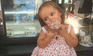Πασίγνωστη μανούλα φωτογράφισε την δίχρονη κόρη της και τρέλανε το Instagram