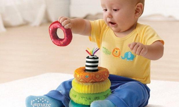 Μωρό 8 μηνών: Τι μπορεί να κάνει σε αυτή την ηλικία;