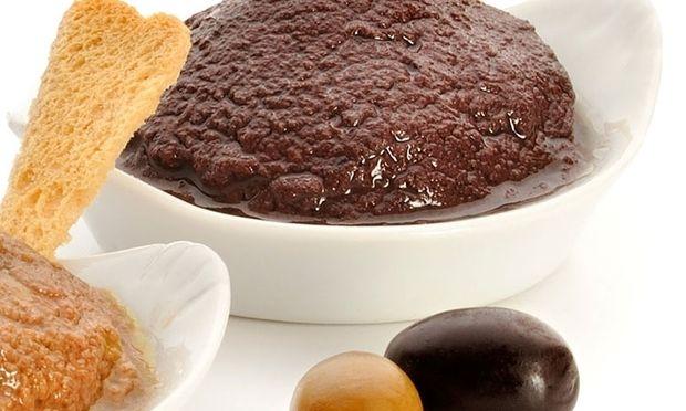 Το πιο νόστιμο dip ελιάς για τα καλοκαιρινά σας μεζεδάκια!