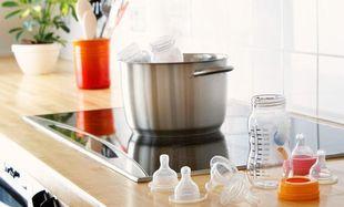 Τέσσερις διαφορετικοί τρόποι για αποστειρώσετε τα μπιμπερό και τις πιπίλες του μωρού σας!