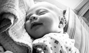 Μας δείχνει την 6 εβδομάδων κόρη της. Ό,τι πιο γλυκό θα δείτε σήμερα