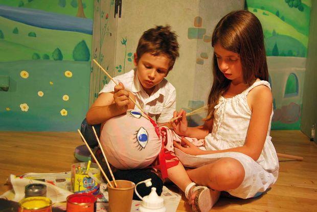Η Παραμυθοχώρα υποδέχεται τη νέα θεατρική περίοδο με μια σειρά από νεές παραστάσεις και εργαστήρια για παιδιά