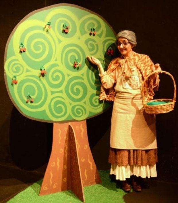 «Μήλα Ζάχαρη Κανέλα» για 9η χρονιά στο Θέατρο Φούρνος