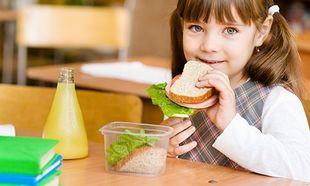 Υγιεινές και νόστιμες προτάσεις για το πρωινό και το δεκατιανό του παιδιού