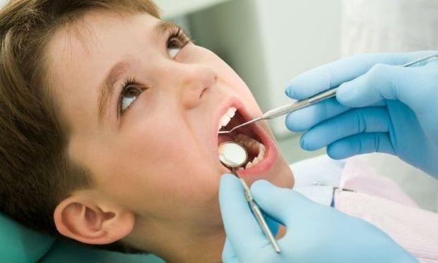 Μην ξεχνάτε τον έλεγχο των δοντιών στα παιδιά σας