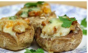 Συνταγή για γεμιστά μανιτάρια με τυρί στο φούρνο