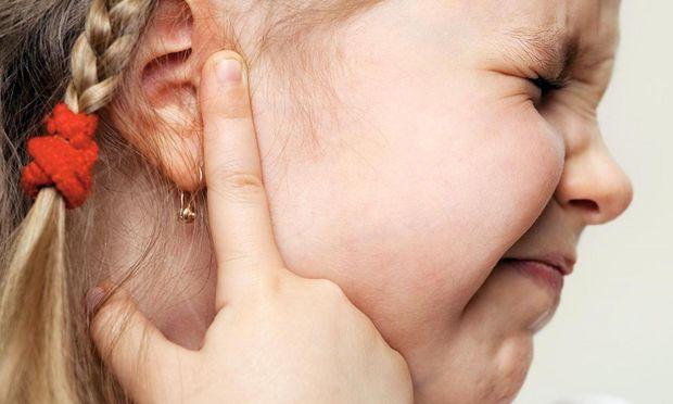 Πώς να αντιμετωπίσετε τον πόνο στο αυτί του παιδιού