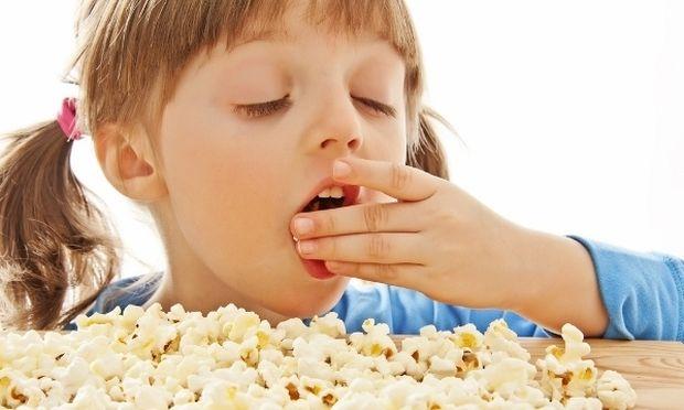 «Το παιδί μου ζητάει συνεχώς φαγητό; Είναι φυσιολογικό;»
