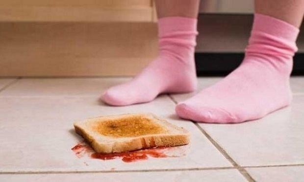 Τρώμε ή όχι το φαγητό που έχει πέσει στο πάτωμα;