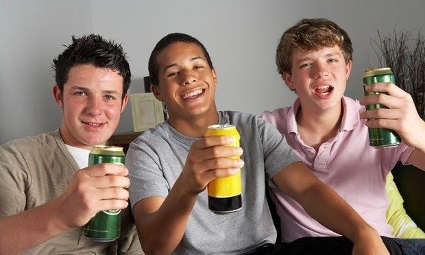 Πρώτοι στον τζόγο και το αλκοόλ οι Έλληνες μαθητές- Τι δείχνουν τα στοιχεία πανευρωπαϊκής έρευνας