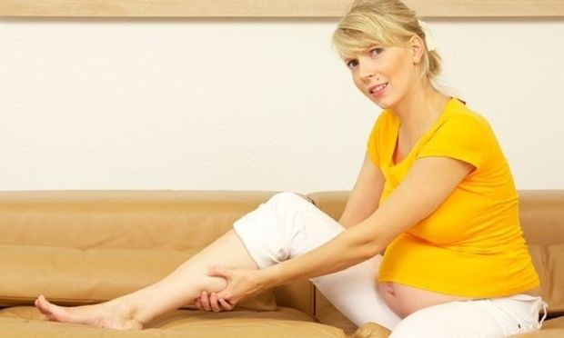 Κράμπες στα πόδια κατά την εγκυμοσύνη- Πώς να τις αντιμετωπίσετε