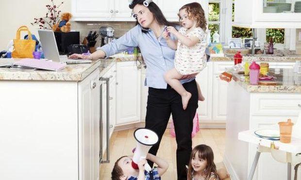 Οι αντιφάσεις της μητρότητας, σε μία απολαυστική ανάρτηση