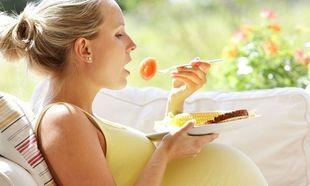 Κιλά και εγκυμοσύνη: Πώς να ελέγξετε το βάρος σας χωρίς να πεινάτε