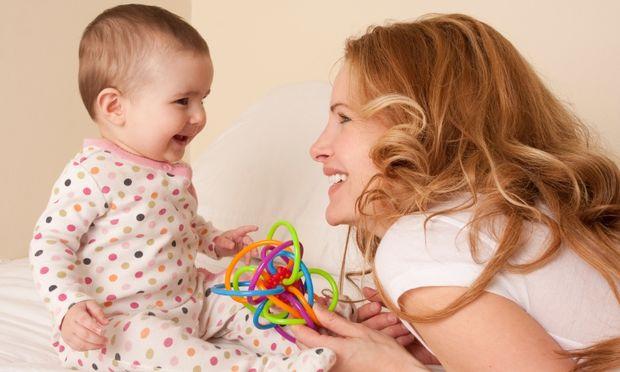 Πρώτη φορά μαμάδες; Χρησιμοποιείτε τη γλώσσα του σώματος για να επικοινωνήσετε με το μωρό σας