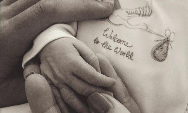 Γνωστή παρουσιάστρια γέννησε κρυφά καθώς υπήρξαν επιπλοκές στον τοκετό