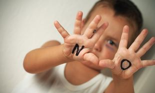 Διεθνής Ημέρα Μη Βίας: Βγάλτε κάθε μορφή βίας από τη ζωή των παιδιών σας