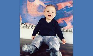 Ο γιος της έγινε 7 μηνών και ποζάρει στον φωτογραφικό φακό της μαμάς
