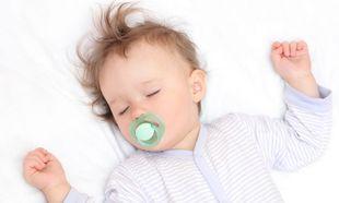 Μωρό και ύπνος: Μικρά κολπάκια και συμβουλές για όνειρα γλυκά