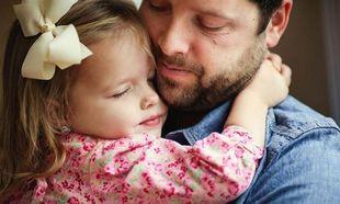 Πώς θέλουν οι άνδρες τη γυναίκα τους και πώς την κόρη τους!
