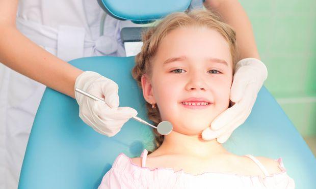 Γιατί τα παιδιά πρέπει να σφραγίζουν τους γομφίους από την ηλικία των 6 ετών
