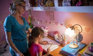 Γονείς στην Ισπανία μποϊκοτάρουν τις σχολικές εργασίες στο σπίτι- Τι ζητούν
