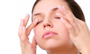 DIY: Σπιτική μάσκα ματιών για κουρασμένα μάτια