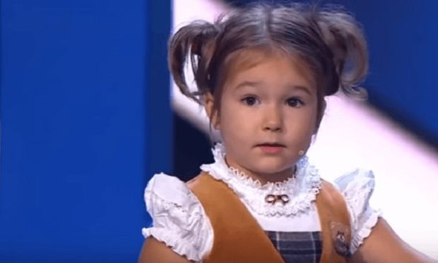 Eίναι μόλις 4 ετών και μιλάει επτά γλώσσες! (βίντεο)