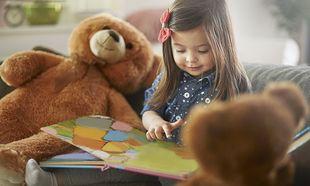 Όλα όσα πρέπει να γνωρίζουν οι γονείς όταν διαβάζουν στο παιδί τους μια ιστορία