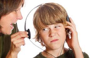 Γιατί οι φωνές και οι εντάσεις ως μέθοδοι πειθαρχίας επηρεάζουν αρνητικά τους εφήβους;