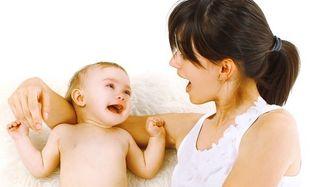 Πότε το μωρό πρέπει να αρχίσει να μιλάει;