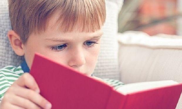 Πώς να κάνουμε τα παιδιά να αγαπήσουν τα βιβλία