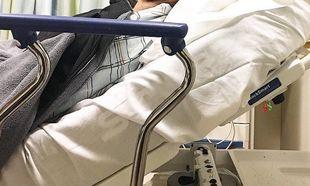 Γνωστή ηθοποιός συγκλονίζει. Ο άνδρας της έπεσε από τη σκεπή του σπιτιού λίγες εβδομάδες μετά τη γέννηση του γιου τους