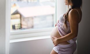 Οδηγός επιβίωσης: Πώς να αντιμετωπίσετε τις αιμορροΐδες κατά την εγκυμοσύνη