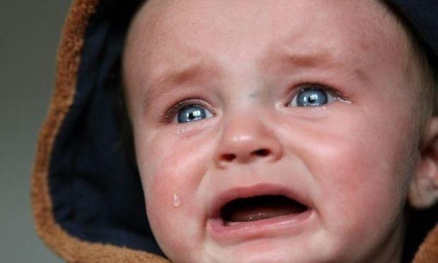 Τέσσερις τρόποι για να αντιμετωπίσετε το κλάμα του μωρού