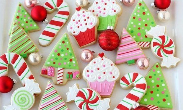 Γλάσο royal icing χωρίς αυγά για να διακοσμήσετε τα χριστουγεννιάτικα γλυκά σας και όχι μόνο