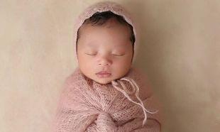 Έγιναν γονείς και αυτή είναι η πρώτη φωτογραφία της νεογέννητης κόρης του διάσημου ζευγαριού