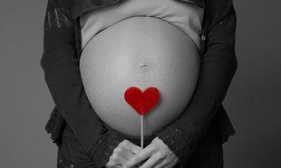 Γονιμότητα και σύλληψη: Ποια είναι η κατάλληλη ηλικία να γίνει μία γυναίκα μητέρα;