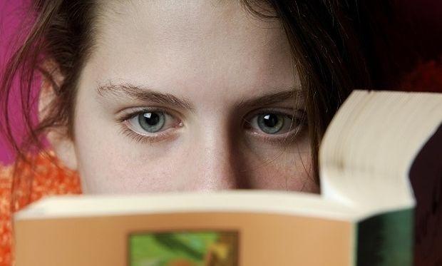 Γιατί τα παιδιά δεν διαβάζουν πια τίποτα με ευχαρίστηση;