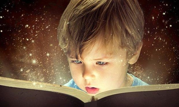 Βοηθήστε το παιδί να διαβάζει εξωσχολικά βιβλία - Mothersblog.gr