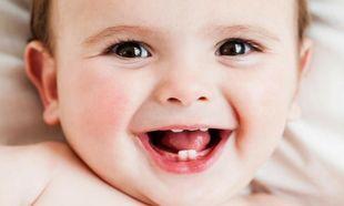 Το μωρό σας βγάζει τα πρώτα του δοντάκια; Τι να περιμένετε
